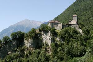 Schloss-Tirol